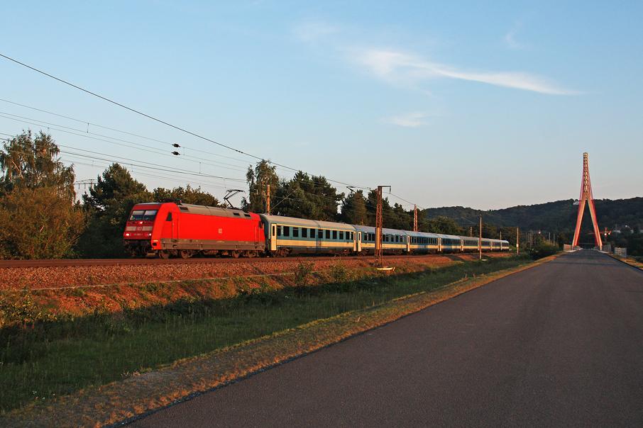 https://img.webme.com/pic/e/elbtalbahn/7939-101-065.jpg