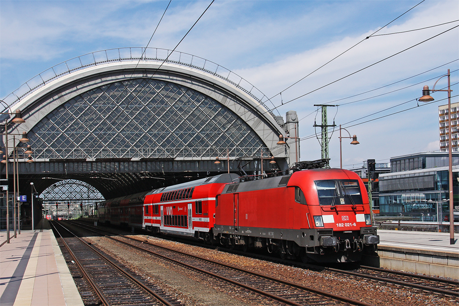 https://img.webme.com/pic/e/elbtalbahn/8097-182-021.jpg