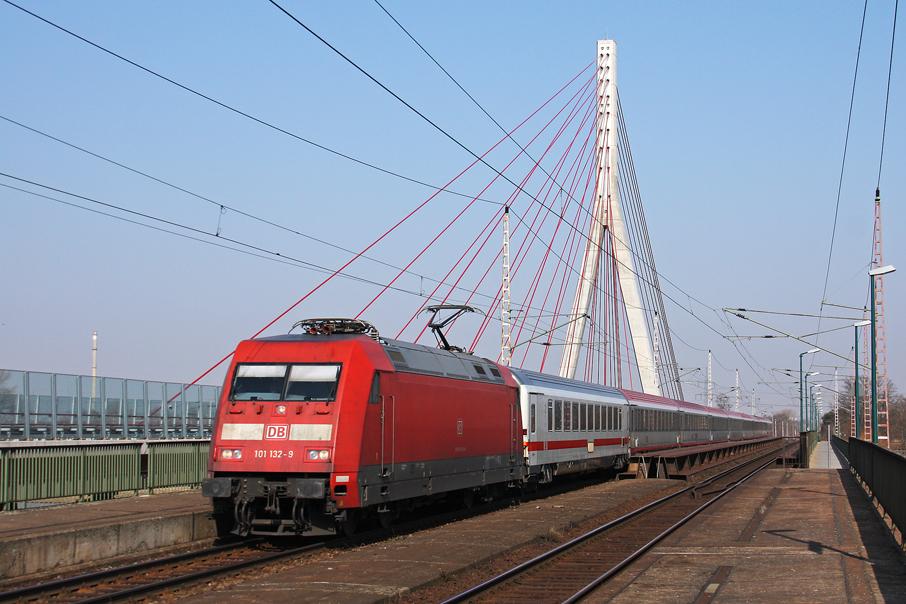 https://img.webme.com/pic/e/elbtalbahn/9318-101-132.jpg