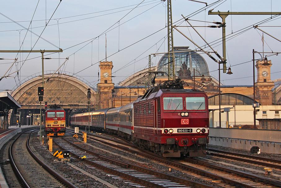https://img.webme.com/pic/e/elbtalbahn/9934-180-020.jpg