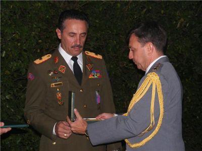 General de Brigada Ejercito Bolivariano de Venezuela Roberto De Lucas y Coronel del Ejercito Brasilero .