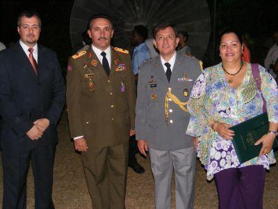 Consejero, Carlos Pestana, G/B,Roberto De Luca, Coronel Ejercito Brasil y Sra Esposa del General, Yadelis De Luca
