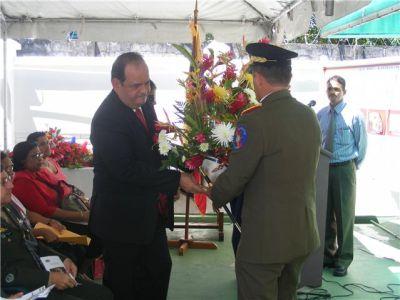 Embajador Dario Morandy y El General De Lucas Varesanoen la ofrenda floral al Libertador Simón Bolivar