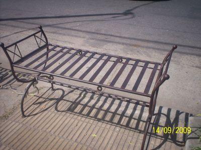 Muebles de algarrobo y hierro forjado muebles de hierro for Muebles de hierro forjado