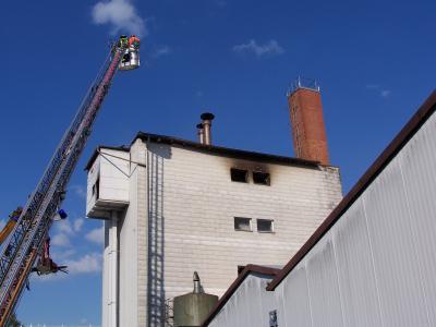 Die einegstetzten Atemschutzgeräteträger mussten über ein innenliegendes Treppenhaus zur Einsatzstelle vorgehen.