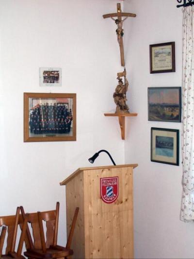 Florianstüberl. Herrgottswinkel, Heiligenfigur, Vereinsfoto