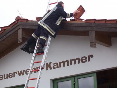 Abgedecktes Dach der Fahrzeughalle