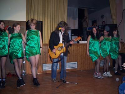 Steffen als Wolle Pettry mit der Tanzgruppe