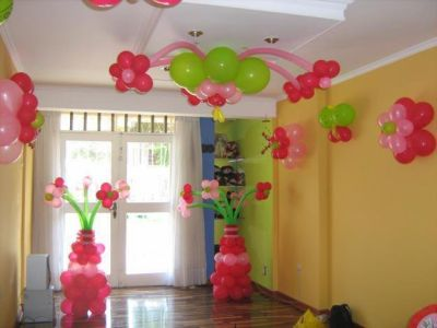 Fiesta entrete kids decoraciones con globos for Decoracion simple con globos