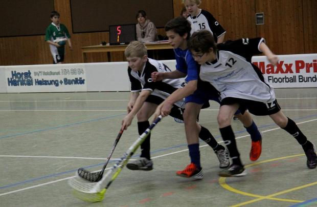 Bild: Floorball Zweikampf Jugend
