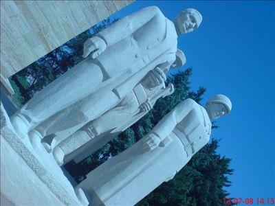 aslanli yol erkek heykel grubu anitkabir