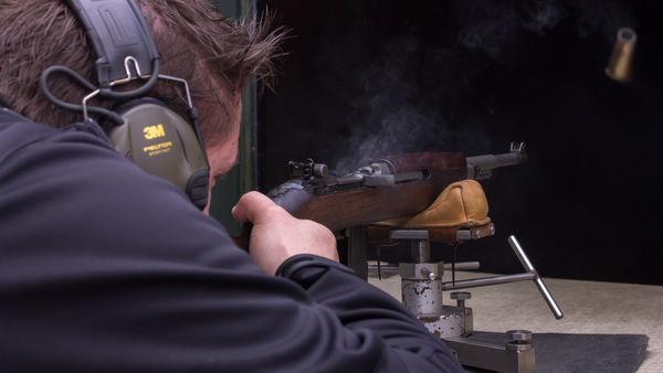 Foto: Schütze schießt mit dem 30M! Carbine auf 50 Meter.