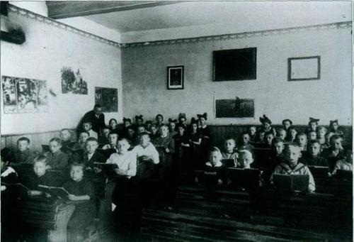 Altes Foto des Klassenraums