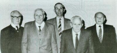 Altes Foto mit 5 älteren Herren