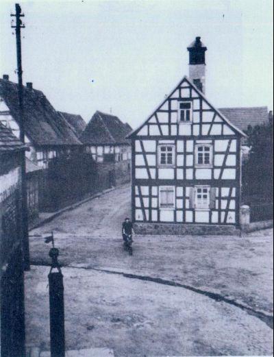 Historisches Foto des Dorfplatzes