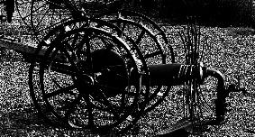 Schwarz-Weiß Foto eines Kartoffel-Roders