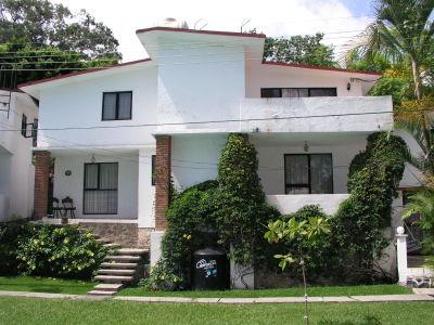 Guacamayas inicio for Casa con jardin al frente