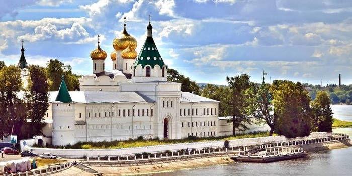 El Monasterio de Ipatievsky en Kostroma