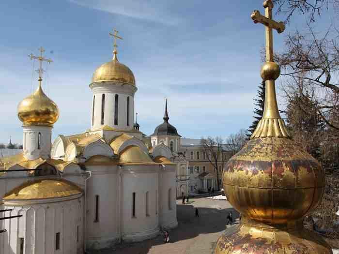 Tour dentro del Monasterio de San Sergio en Sergiev Posad