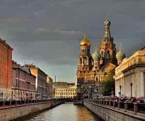 Tour en barco en San Petersburgo en español