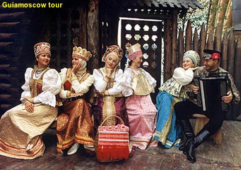 Cena con show folklorico en Moscú