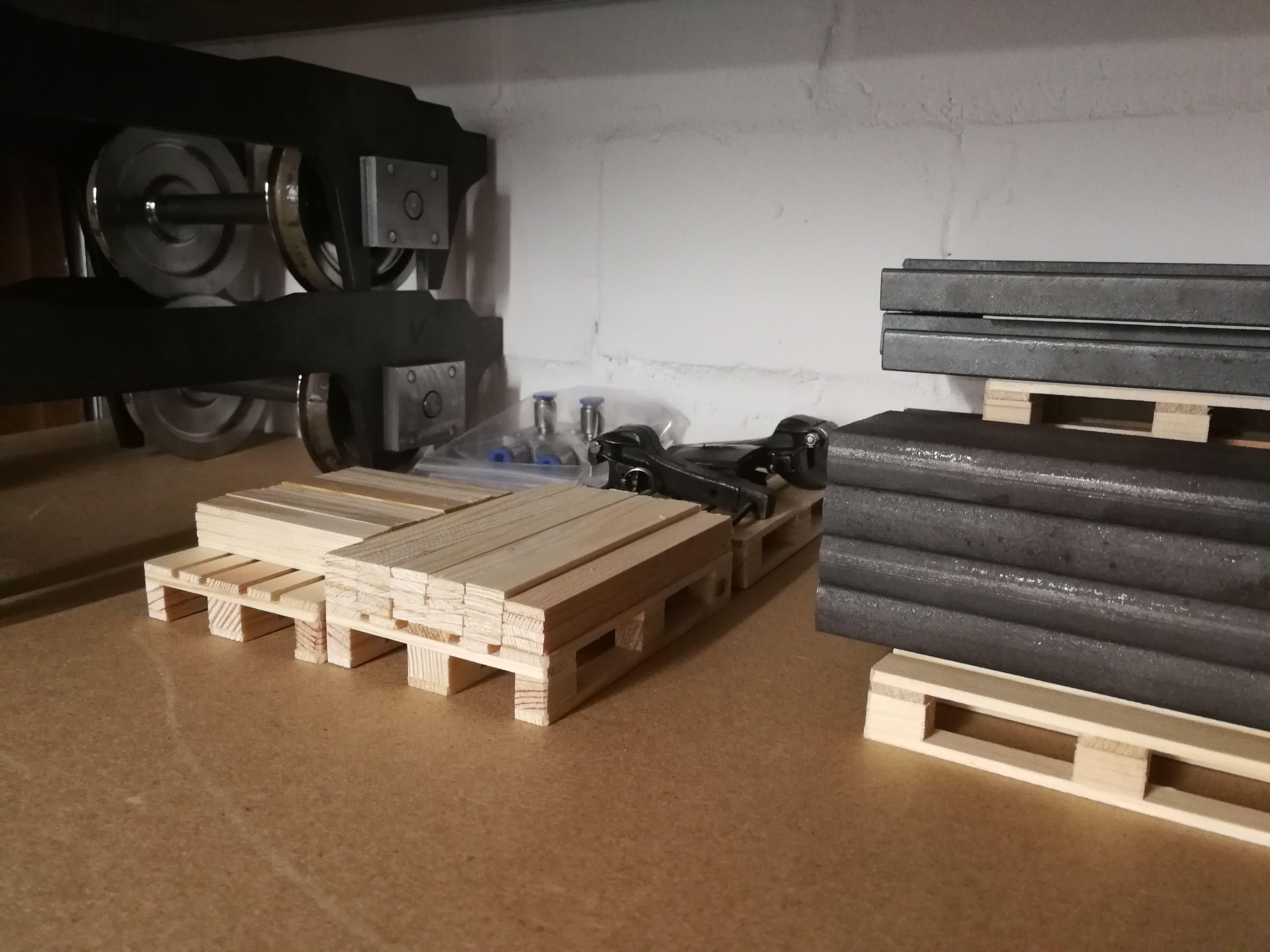 Für Modellbaulager