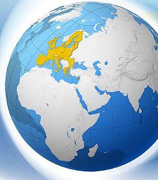 DEUTSCHLAND im Erdteil Europa ( Weltkugel ) ziemlich KLEIN