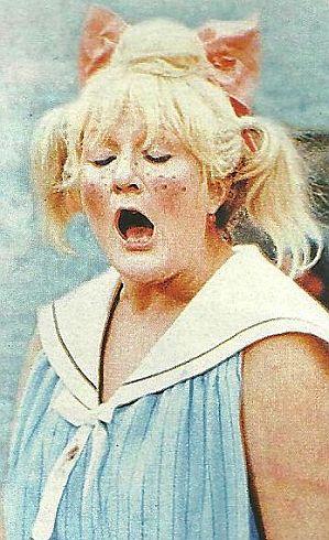 """Helga Hahnemann  """" Goldene Henne """""""