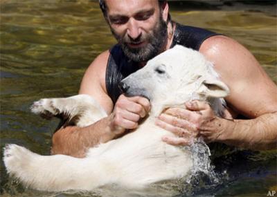 Ziehvater hat Knut so viel beigebracht - Danke -