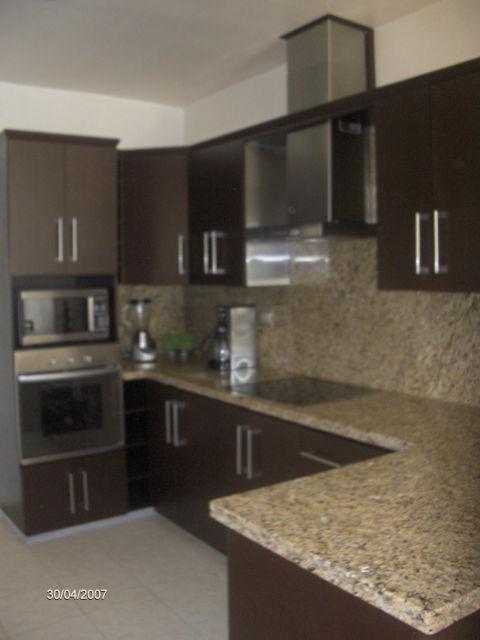 Cocinas integrales tipos de madera - Muebles tipo banak ...