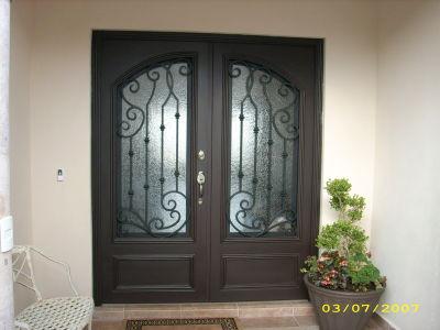 Herreria para el hogar puertas for Puertas insonorizadas para el hogar