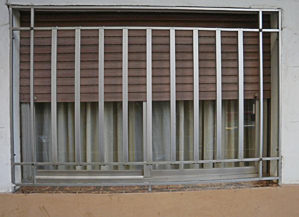 Hierros y aluminios enemar cerramientos rejas barranquilla for Cerramientos de aluminio precio por metro cuadrado
