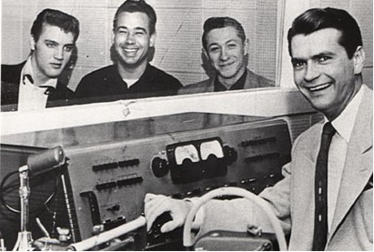 Elvis Presley, Bill Black, Scotty Moore et Sam Phillips