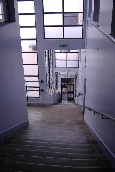 die Treppe zum Büro