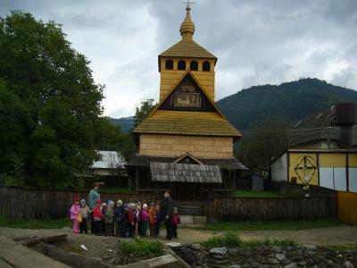 Kindergartengruppe in Dilove