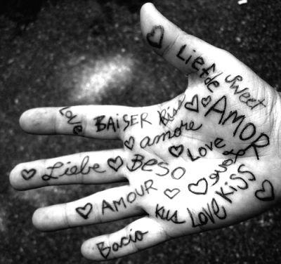 amore su una mano