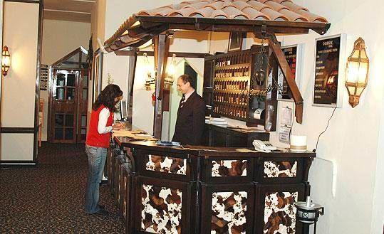 Ilgaz Doruk Otel Reception