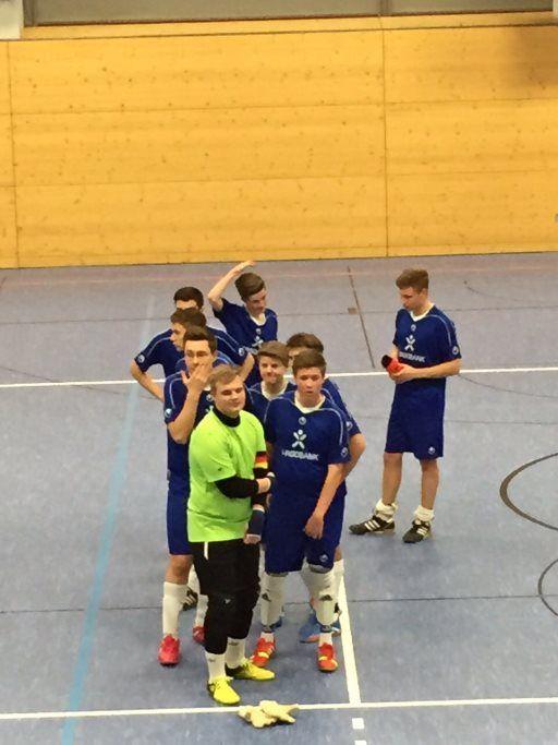 Die B2-Junioren als Sieger des Hallenturniers am 11.01.15 in Ebersdorf
