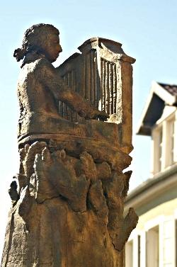 2-mozartbrunnen