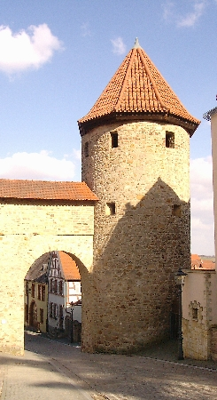 05-Roter Turm