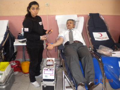 Fevziye Mollaoğlu İlköğretim Okulu Kızılaya Kan Bağışında Bulundu.