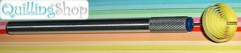 QuillingSHOP.ru: магазин для квилинга QullingStick - удобное приспособление для закручивания бумажных лент - инструмент для квиллинга. Инструмент для закручивания роллов по технике бумажная филигрань квилинг quilling cделан из легкого аллюминиевого сплава, имеет насечку на корпусе для удобного кручения и тонкое жало с раздвоенным кончиком