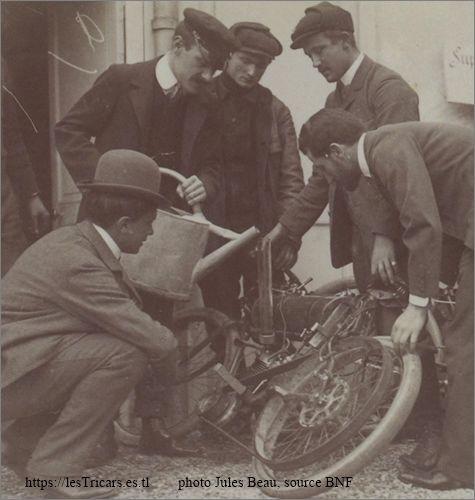 1903, critérium du quart de litre, mesurage de la cylindrée d'un moteur