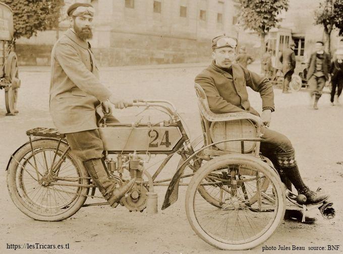 Barrio sur le tricar Chanon lors du concours des tricars en septembre 1905