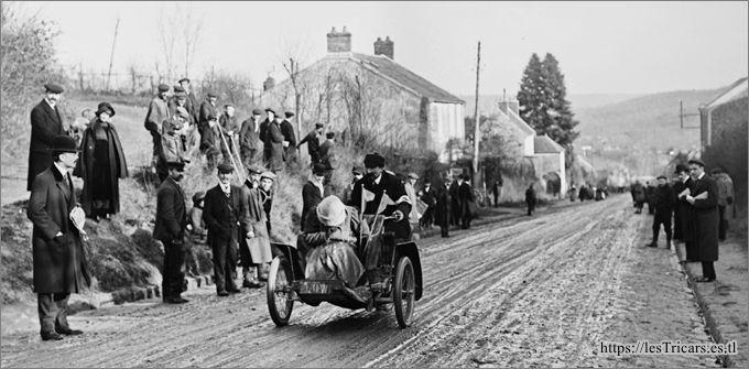 Course de côte de Gometz-le-Châtel 1911 Rivierre et Madame sur mototri Contal