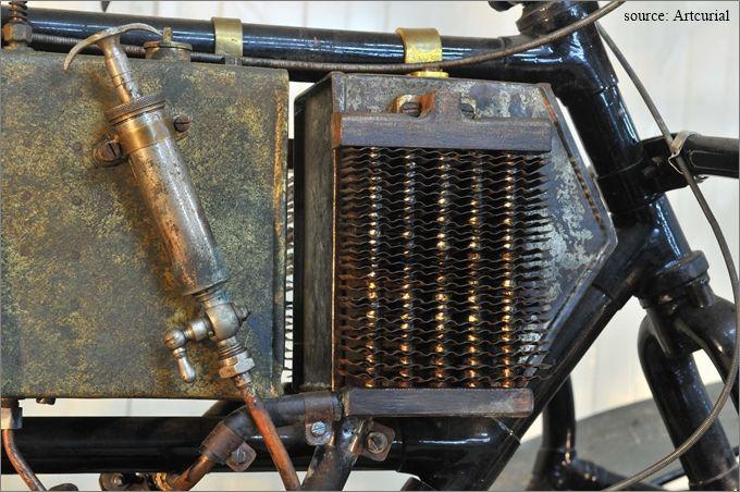 le radiateur de la motocyclette Bruneau type MH 1905