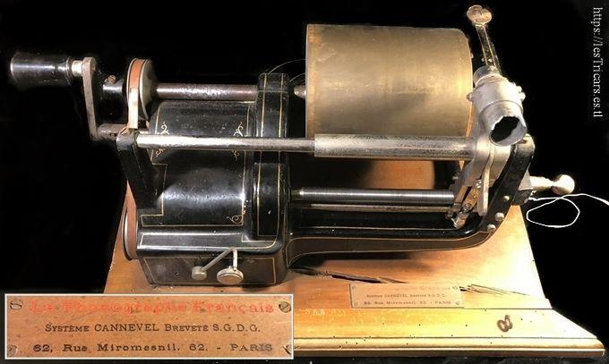 Photo d'un phonographe Cannevel