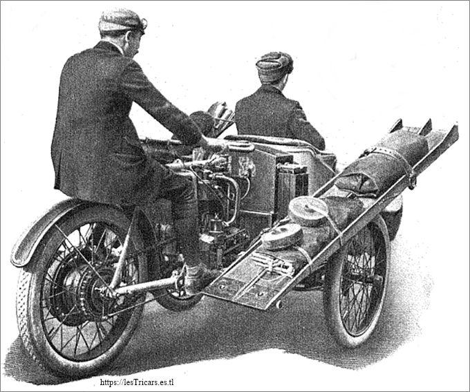 Paris-Pékin 1907: Tricar Contal équipé pour le raid, vue d'arrière
