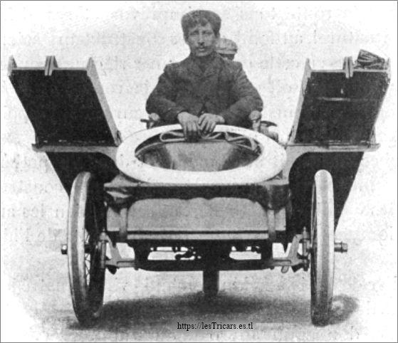 Octave Foucault sur tricar Contal, Paris-Pékin 1907