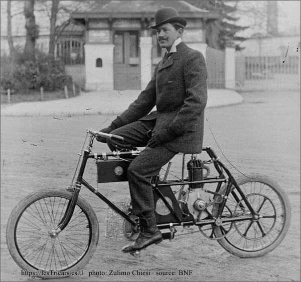 Henri Fournier sur une motocyclette